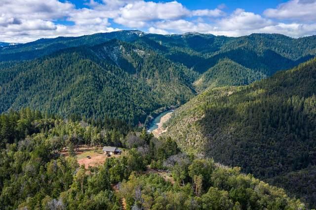 16037 Hog Creek Road, Merlin, OR 97532 (MLS #220118274) :: Vianet Realty