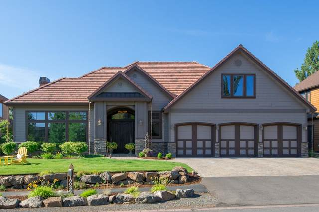 19035 Mount Mcloughlin Lane, Bend, OR 97701 (MLS #220118290) :: Berkshire Hathaway HomeServices Northwest Real Estate