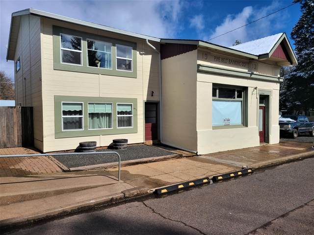 451 Broad Street, Butte Falls, OR 97522 (MLS #220118351) :: Bend Homes Now