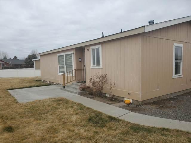834 NE Paiute Court, Redmond, OR 97756 (MLS #220118366) :: Premiere Property Group, LLC