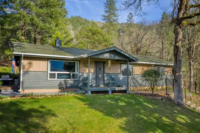 470 Manzanita Drive, Rogue River, OR 97537 (MLS #220118373) :: Rutledge Property Group