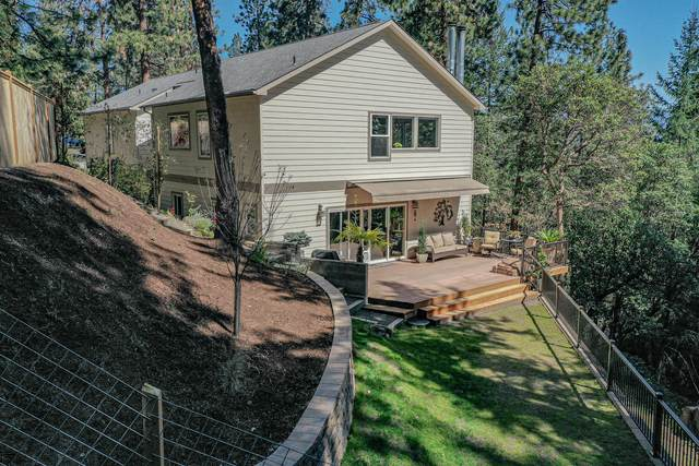 800 Lisa Lane, Ashland, OR 97520 (MLS #220118431) :: Schaake Capital Group
