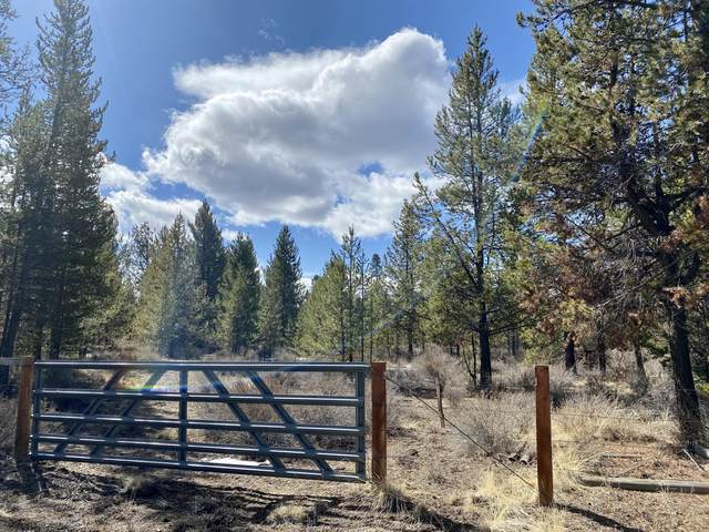 17395 Wells Road, Bend, OR 97707 (MLS #220118635) :: The Riley Group