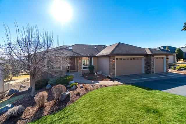 1026 Niagara Falls Drive, Redmond, OR 97756 (MLS #220118743) :: Keller Williams Realty Central Oregon