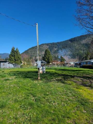 1637 Carnahan Drive, Grants Pass, OR 97527 (MLS #220118799) :: Central Oregon Home Pros