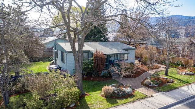 338 N Laurel Street, Ashland, OR 97520 (MLS #220118949) :: Bend Relo at Fred Real Estate Group