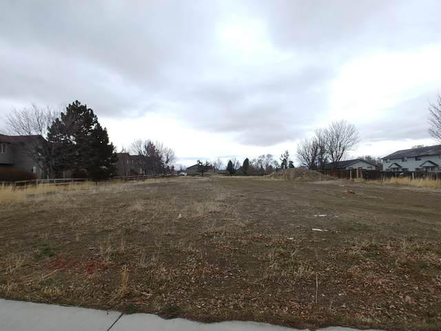 2015 SW Timber Avenue, Redmond, OR 97756 (MLS #220118962) :: Bend Homes Now