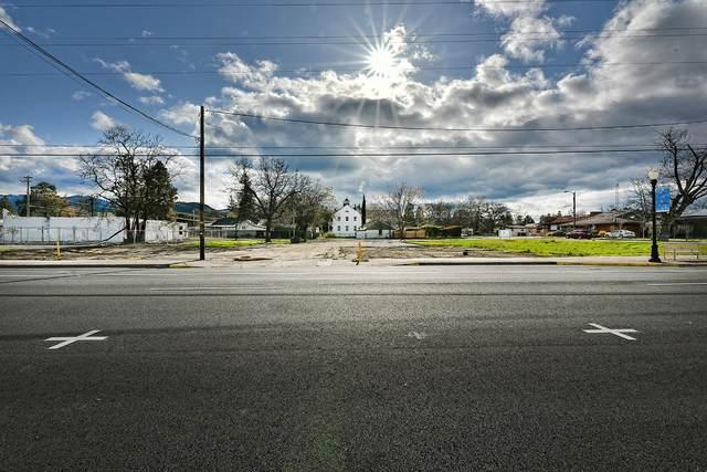 115 N Main Street, Phoenix, OR 97535 (MLS #220119103) :: Vianet Realty