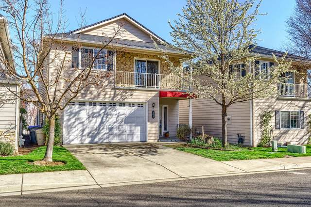 265 Meadow Drive, Ashland, OR 97520 (MLS #220119206) :: The Riley Group