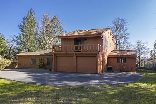 5449 Hugo Road, Grants Pass, OR 97526 (MLS #220119332) :: Berkshire Hathaway HomeServices Northwest Real Estate
