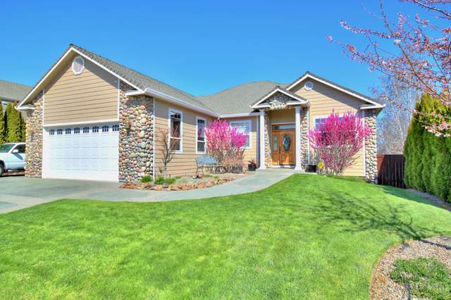 599 Arrowhead Trail, Eagle Point, OR 97524 (MLS #220119361) :: Coldwell Banker Sun Country Realty, Inc.
