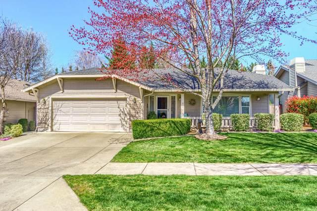 3315 Edgewater Drive, Medford, OR 97504 (MLS #220119506) :: Berkshire Hathaway HomeServices Northwest Real Estate