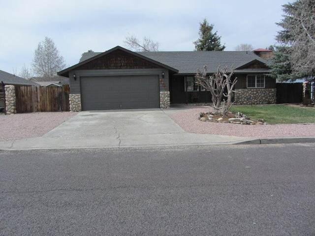 2673 NE Sugarpine Road, Prineville, OR 97754 (MLS #220119637) :: Fred Real Estate Group of Central Oregon