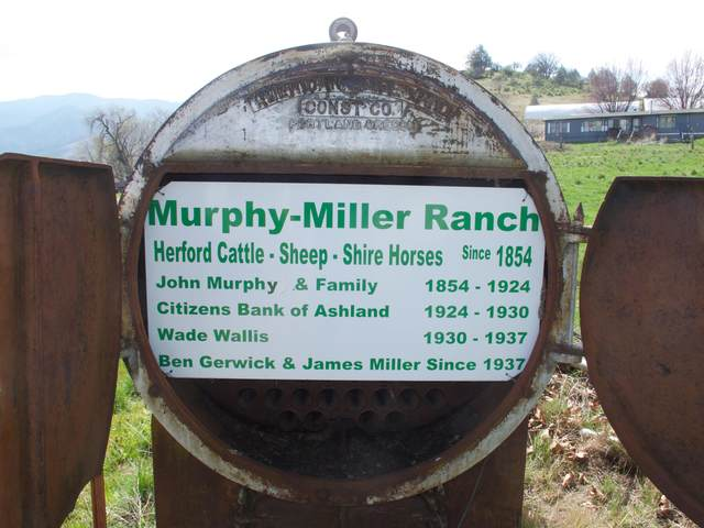 975 Dead Indian Memorial Road, Ashland, OR 97520 (MLS #220119644) :: Vianet Realty