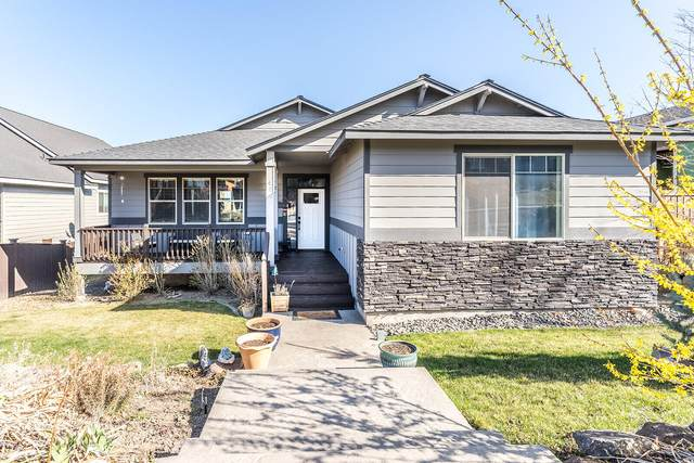 4145 SW Rhyolite Place, Redmond, OR 97756 (MLS #220119689) :: The Riley Group