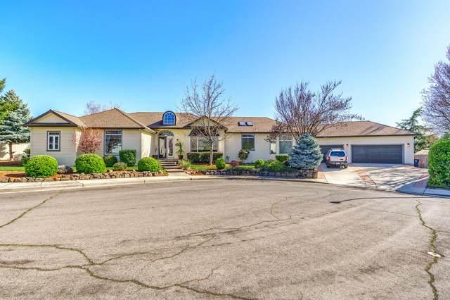 2982 Rosedale Terrace, Medford, OR 97504 (MLS #220119725) :: Berkshire Hathaway HomeServices Northwest Real Estate