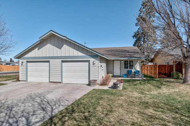 2051 NW Elm Avenue, Redmond, OR 97756 (MLS #220119794) :: Berkshire Hathaway HomeServices Northwest Real Estate