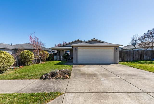 1127 Peachwood Court, Medford, OR 97501 (MLS #220119796) :: Rutledge Property Group