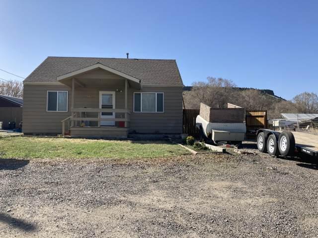 1838 SE Hylton Lane, Prineville, OR 97754 (MLS #220119869) :: Berkshire Hathaway HomeServices Northwest Real Estate