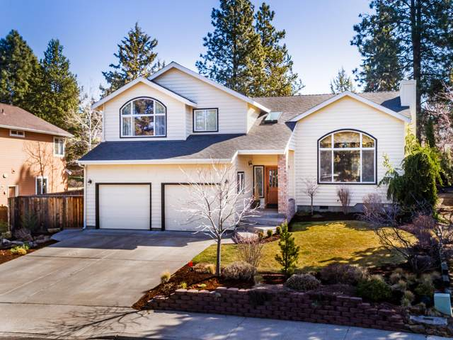 1162 SE Teakwood Drive, Bend, OR 97702 (MLS #220119898) :: Bend Relo at Fred Real Estate Group