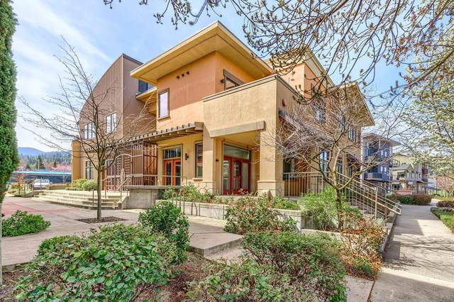 180 Clear Creek Drive #202, Ashland, OR 97520 (MLS #220119911) :: Bend Relo at Fred Real Estate Group