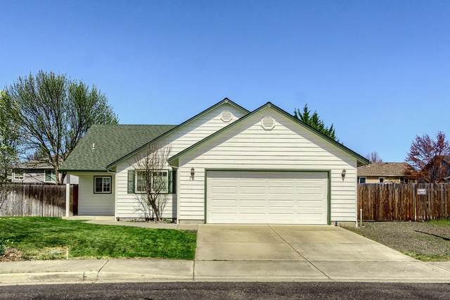 72 Ashwood Court, Eagle Point, OR 97524 (MLS #220119956) :: Rutledge Property Group