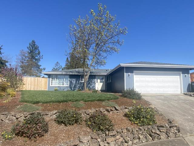 625 Kings Court, Central Point, OR 97502 (MLS #220119959) :: Berkshire Hathaway HomeServices Northwest Real Estate