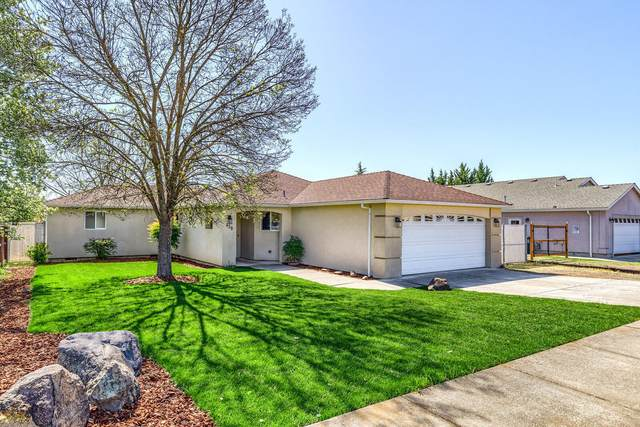 438 Westminster Drive, Eagle Point, OR 97524 (MLS #220119963) :: Rutledge Property Group