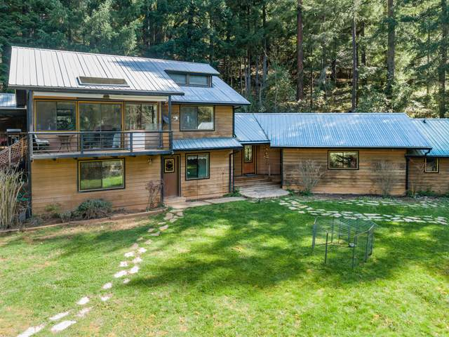 1090 Tunnel Road, Glendale, OR 97442 (MLS #220120067) :: Berkshire Hathaway HomeServices Northwest Real Estate
