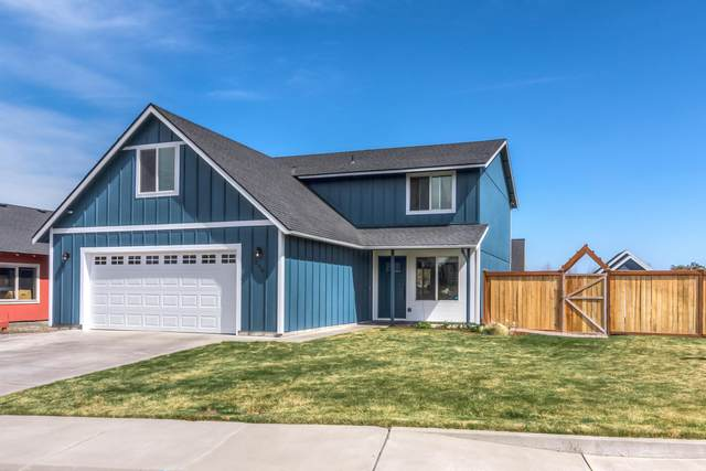 250 SW 25th Street, Redmond, OR 97756 (MLS #220120114) :: Bend Relo at Fred Real Estate Group