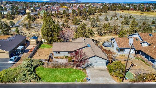 1443 SW Canyon Drive, Redmond, OR 97756 (MLS #220120123) :: The Riley Group