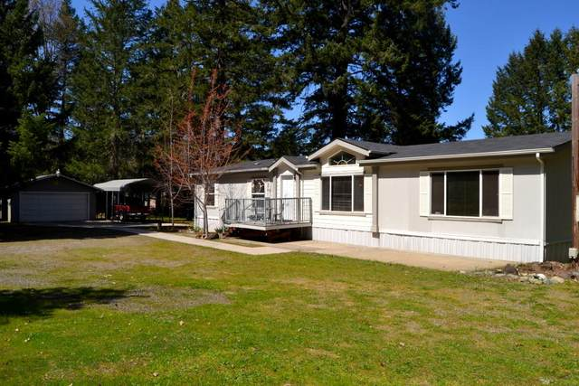 3320 Riverbanks Road, Grants Pass, OR 97527 (MLS #220120154) :: Bend Relo at Fred Real Estate Group