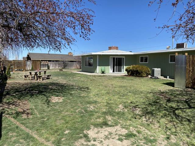 1062 NW Golf Course Drive, Madras, OR 97741 (MLS #220120161) :: Bend Relo at Fred Real Estate Group