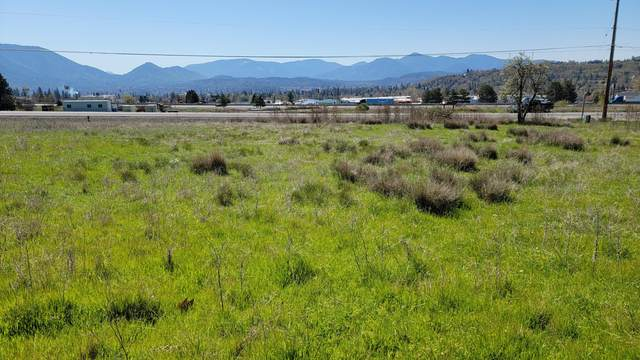 190 Scenic Drive, Grants Pass, OR 97526 (MLS #220120182) :: Berkshire Hathaway HomeServices Northwest Real Estate