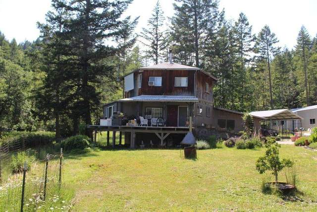 35115 Redwood Highway, O'Brien, OR 97534 (MLS #220120213) :: Bend Relo at Fred Real Estate Group