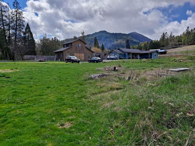 285 Upper Powell Creek Road, Williams, OR 97544 (MLS #220120256) :: FORD REAL ESTATE