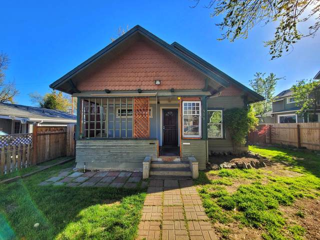 511 S Grape Street, Medford, OR 97501 (MLS #220120300) :: Vianet Realty