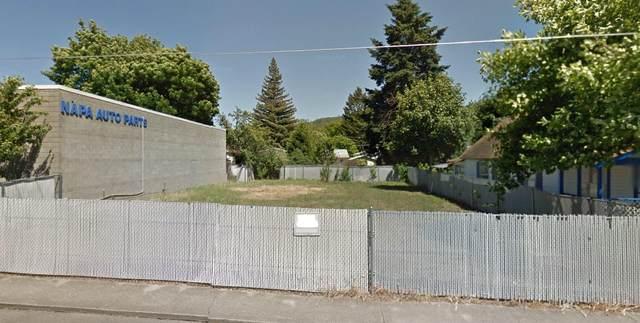 Oak Street, Rogue River, OR 97537 (MLS #220120307) :: Rutledge Property Group