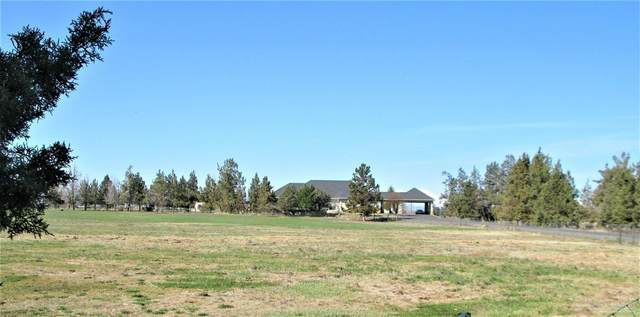 3315 NW Canal Boulevard, Redmond, OR 97756 (MLS #220120309) :: Fred Real Estate Group of Central Oregon
