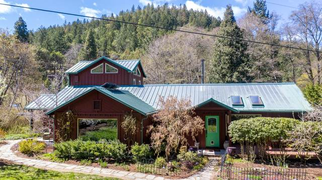 9820 Wagner Creek Road, Talent, OR 97540 (MLS #220120312) :: FORD REAL ESTATE