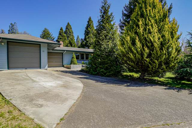 63 Eastwood Drive, Medford, OR 97504 (MLS #220120325) :: Berkshire Hathaway HomeServices Northwest Real Estate