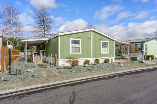 1570 S Peach Street #9, Medford, OR 97501 (MLS #220120340) :: Keller Williams Realty Central Oregon