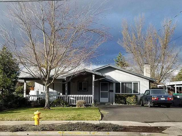 1845 Roberts Road, Medford, OR 97504 (MLS #220120367) :: Vianet Realty