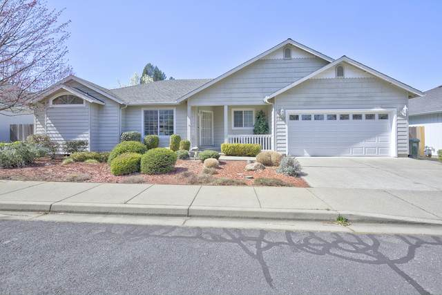 1782 SE Brookhurst Way, Grants Pass, OR 97527 (MLS #220120371) :: Premiere Property Group, LLC