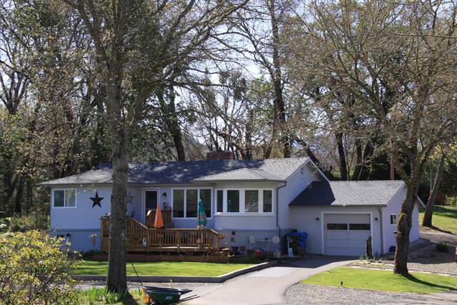 141 E Rosewood Street, Grants Pass, OR 97527 (MLS #220120403) :: Premiere Property Group, LLC
