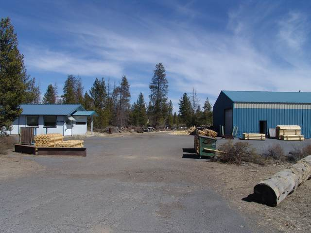 51356 Russell Road, La Pine, OR 97739 (MLS #220120424) :: Fred Real Estate Group of Central Oregon