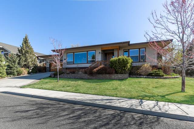 3542 SW Cascade Vista Drive, Redmond, OR 97756 (MLS #220120468) :: Central Oregon Home Pros