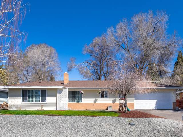 6245 Bryant Avenue, Klamath Falls, OR 97603 (MLS #220120508) :: Bend Relo at Fred Real Estate Group