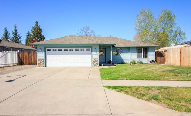 1338 Andrew Drive, Medford, OR 97501 (MLS #220120517) :: Rutledge Property Group