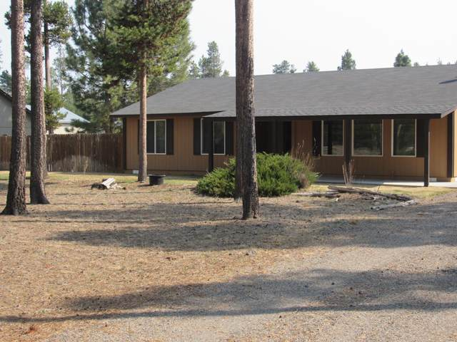 15741 Twin Drive, La Pine, OR 97739 (MLS #220120526) :: Fred Real Estate Group of Central Oregon